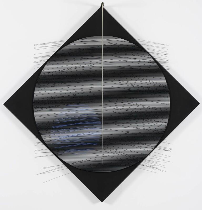 Soto Virtual cobalto sobre el rombo 1977
