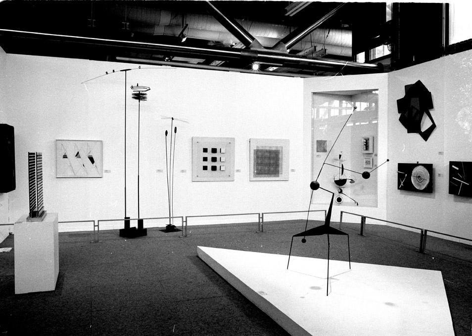 Soto at Paris-Paris exhibition Centre Pompidou Paros 1981