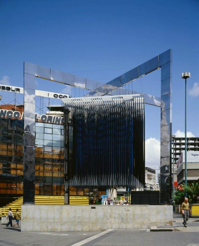 Soto Cubo virtual azul y negro 1983